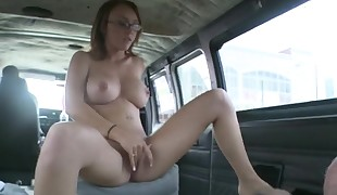Hawt chick is  to have some raunchy hardcore fun