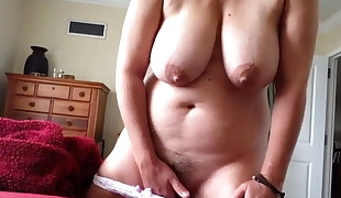 Inexperienced mother nutting homemade